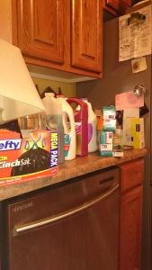 kitchenclutter1